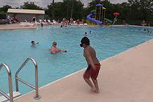 VIDEO - Smithville Swimming Pool opens