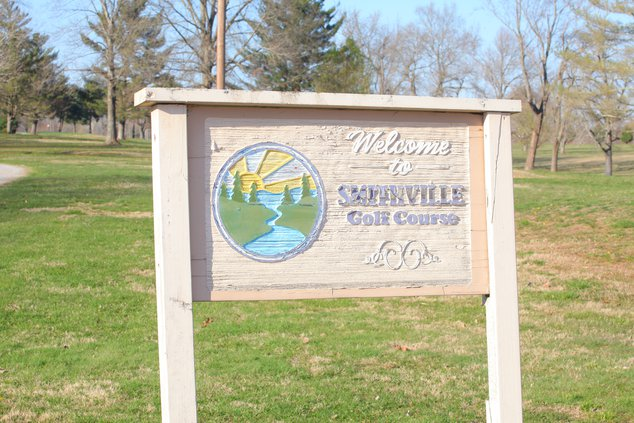 golf course sign.JPG
