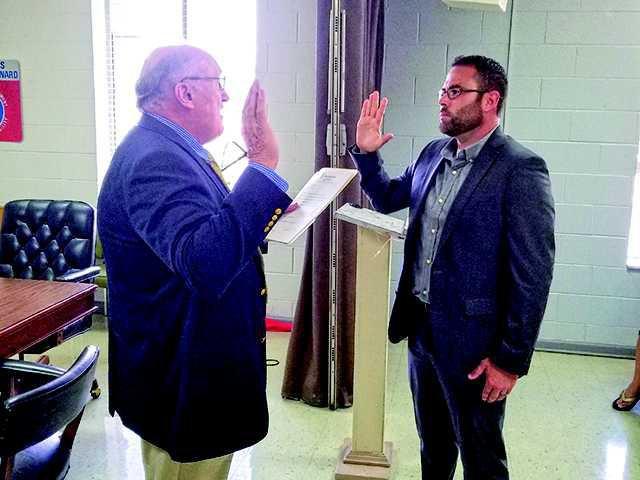 Miller Begins Tenure As Mayor Smithville Review