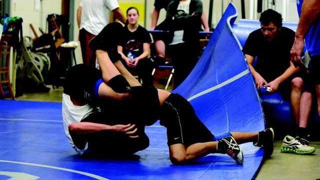 Wrestling Beahman Lopez