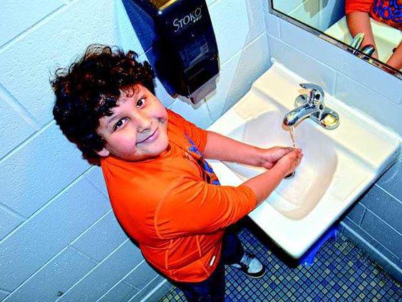 1 cute hand washing