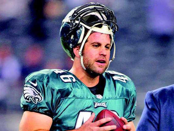 Eagles snapper to speak at gala