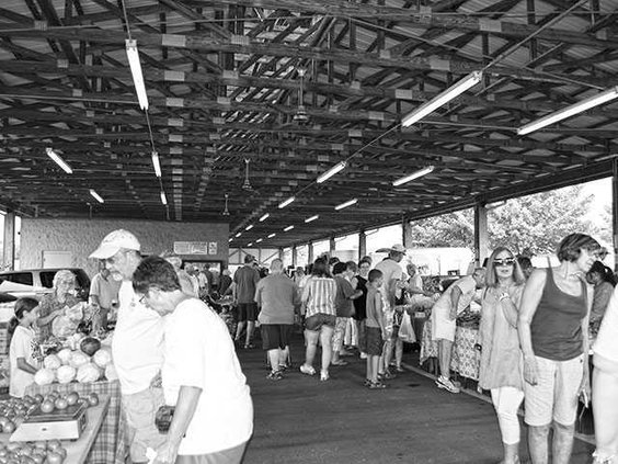 Farmers-Market-crowdWEB