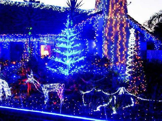christmas-lights-1356058070Z7oCMYK