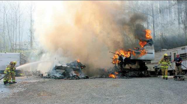 trailer fire w L