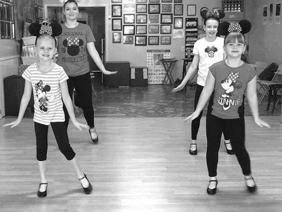 disney-dancersWEB