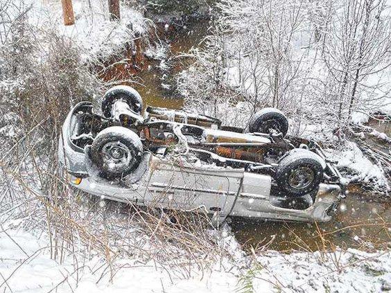 Snow---Truck-crashWEB