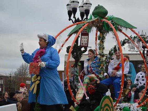 Christmas-parade-1WEB