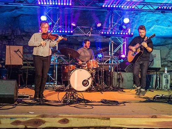 Jon Stickley Trio Band Cumberland Cravens Live