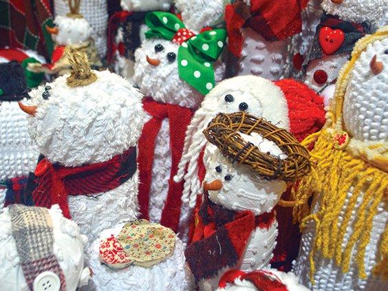 7    CHEESE Chenille snowmen.jpg