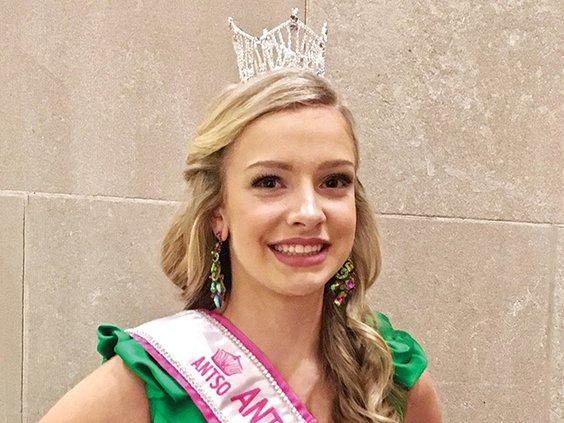 Lauren Mansfield queen.jpg