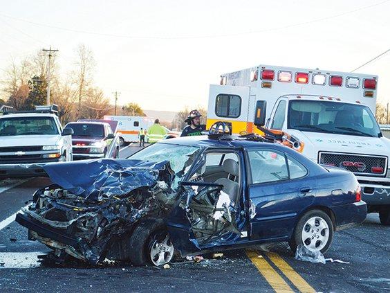Smithville Hwy wreck MAIN.jpg