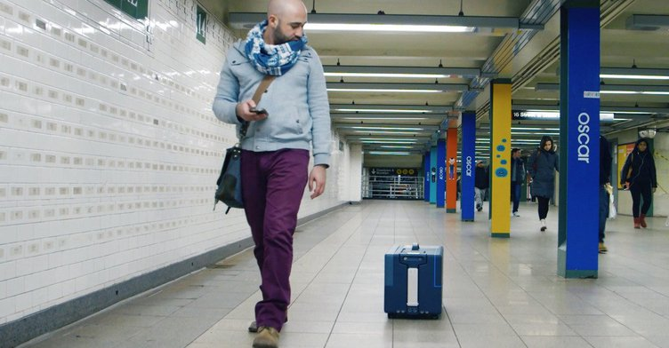 Hands-free suitcase