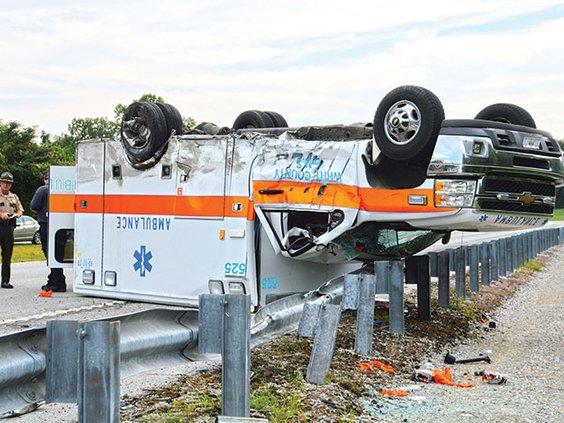 Ambulance wreck fatal.jpg