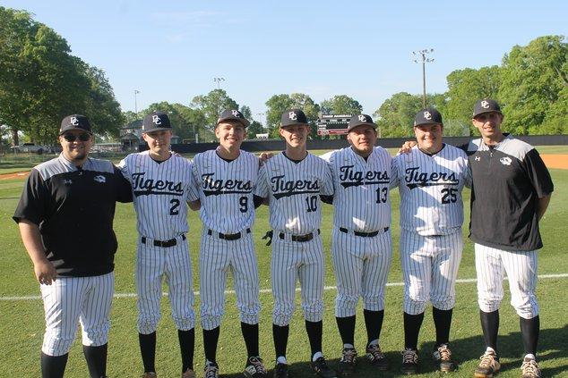 Tiger baseball seniors