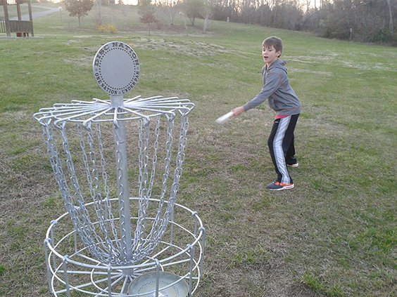 Frisbee golf.jpg