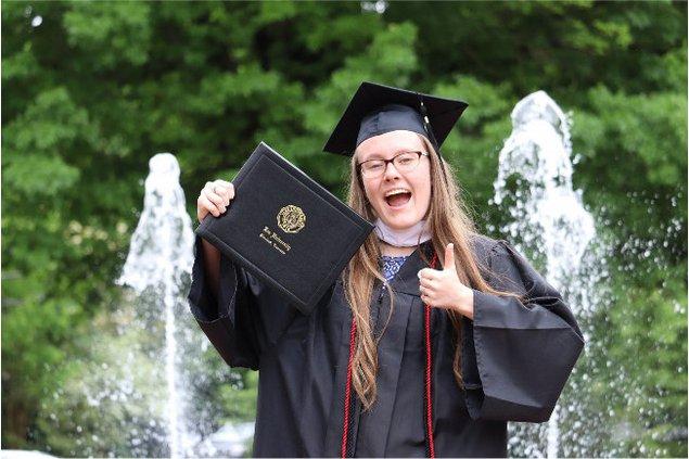 Trail graduates Lee