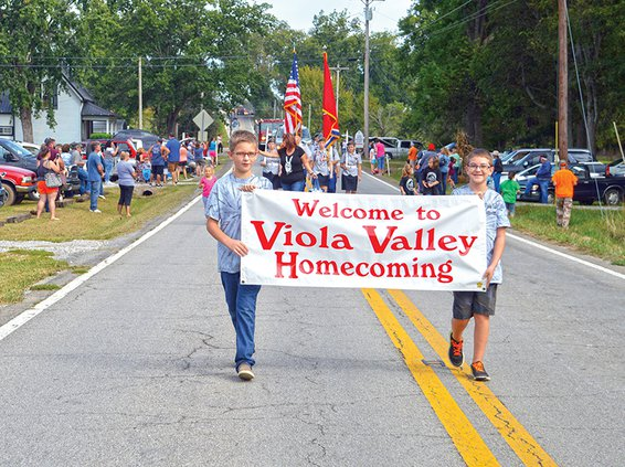 viola homecoming parade.jpg