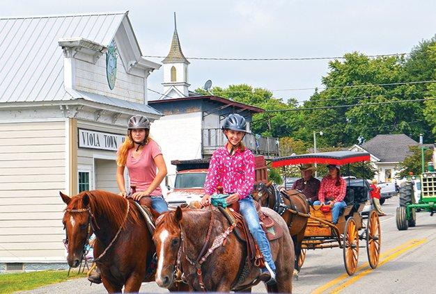 viola parade horses.jpg