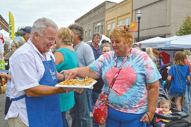 Rick Dunlap and Regina Farley, cookie.jpg