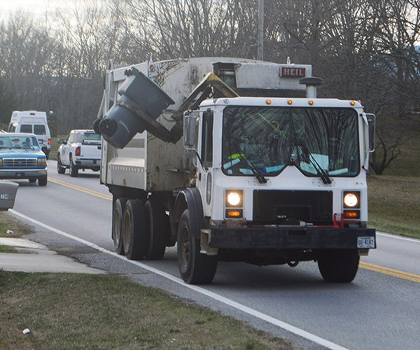 Garbag truck - sideloader original.jpg