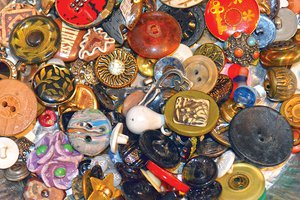 Buttons - loose - GOOD PIC.jpg