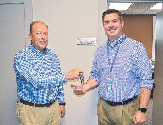 Bobby hands the keys to Grant.jpg