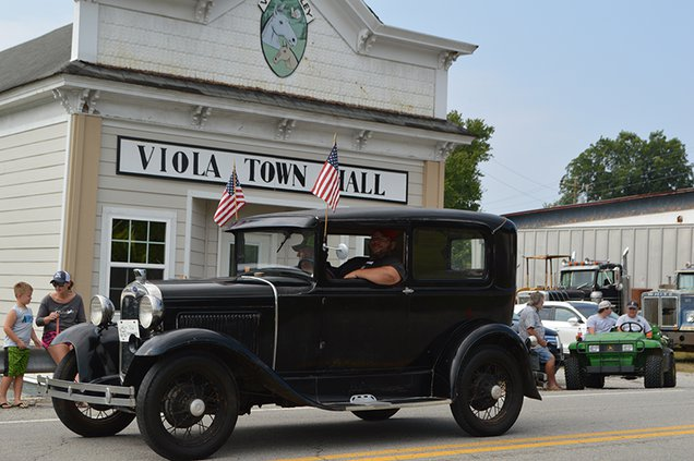 Viola Parade-Chad & Russell Claiborne.jpg