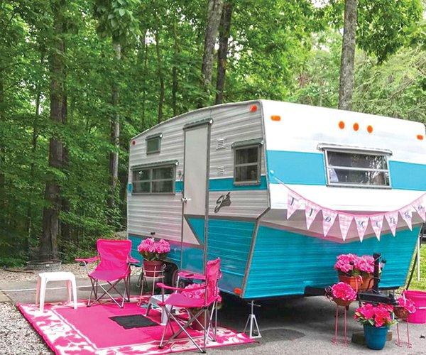 Vintage trailers at Park2.jpg