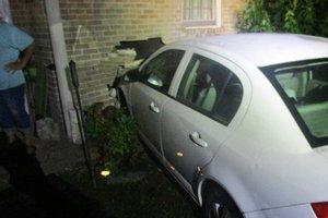 vehicle, house collide.jpg