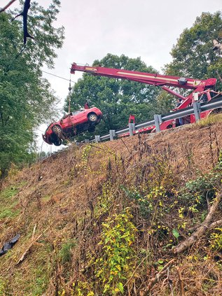 Shellsford Road wreck - crane.jpg