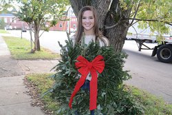 Samantha Jennings with wreath.jpg