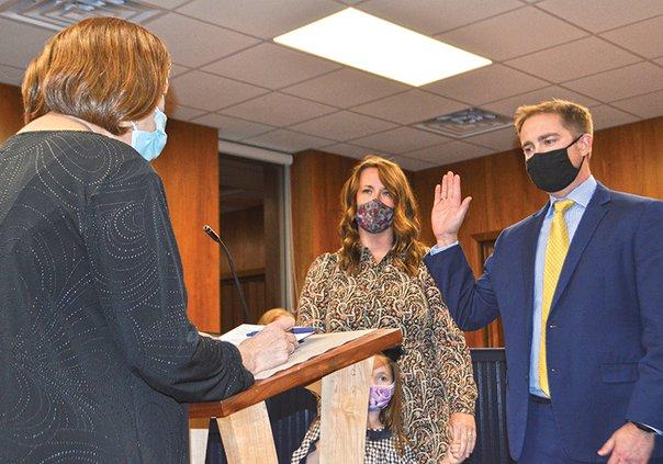 chastain sworn in