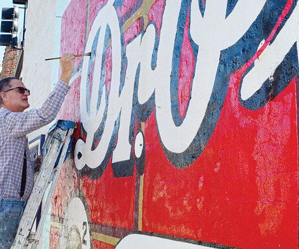Steve Davis painting sign.jpg