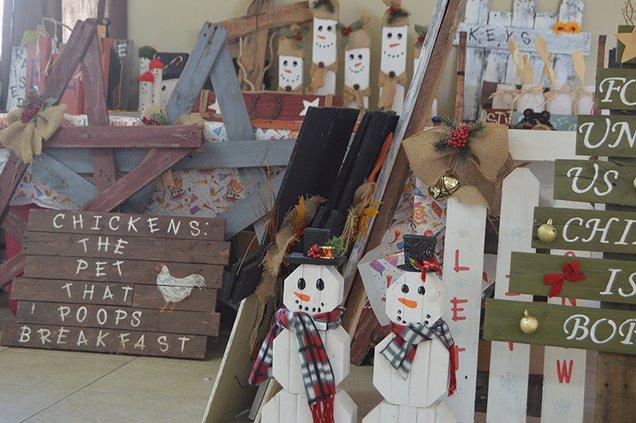 pioneer christmas market 2.jpg