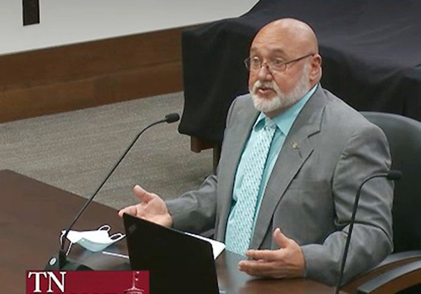 Billy Dycus testifying at House.jpg