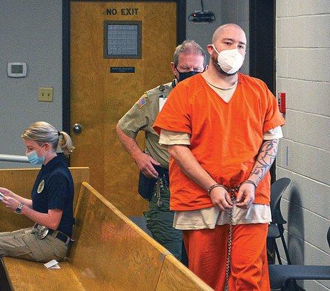 Garrett in court.jpg