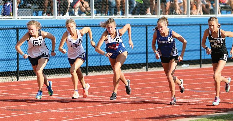 Ella van Vranken Starting 1600m 5-27.jpg