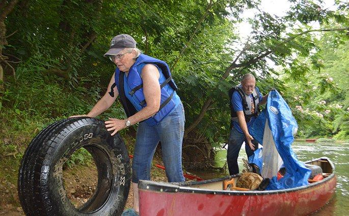 River cleanup, John Downs and Kathy Finn.jpg