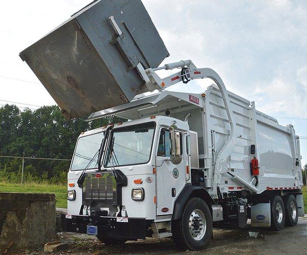 Garbage truck.jpg