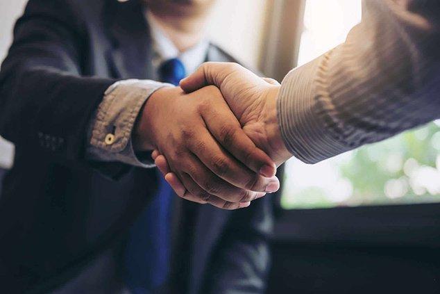 Job fair handshake.jpg