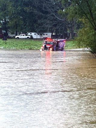Van Buren Flood, one dies.jpg